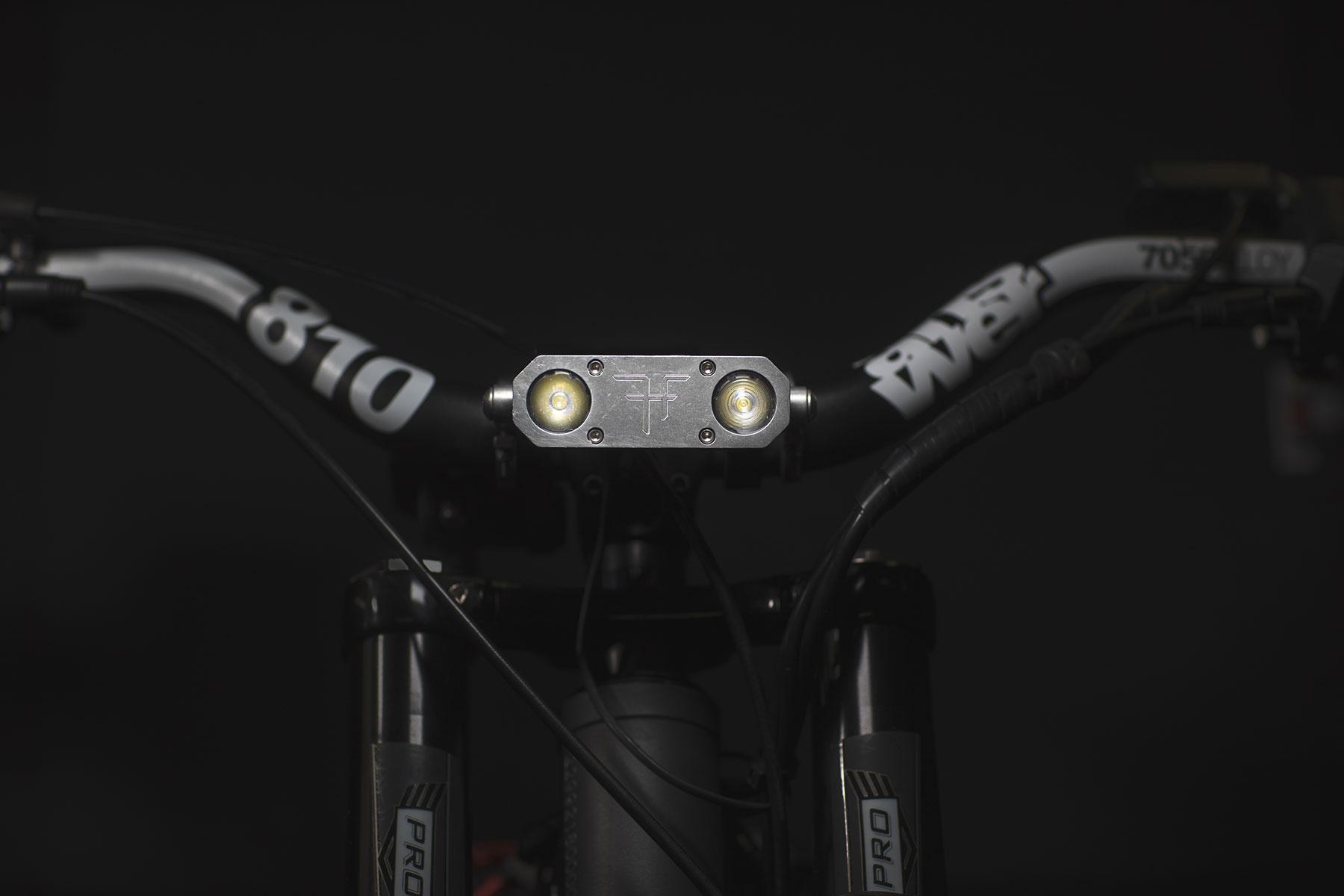 Ultra 3200 12V LED Light